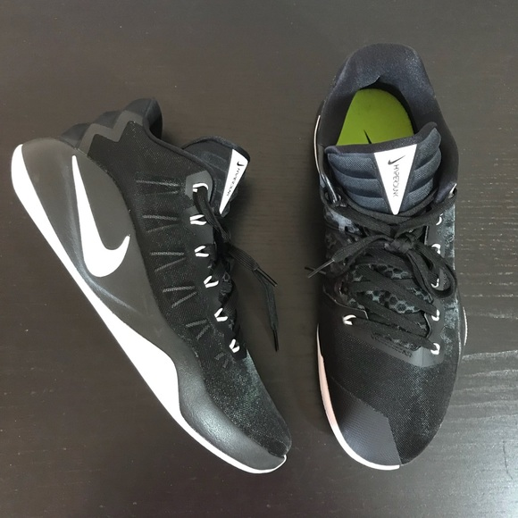 low priced c07e9 69da5 Men s Nike • Hyperdunk 2016 Low Size 11
